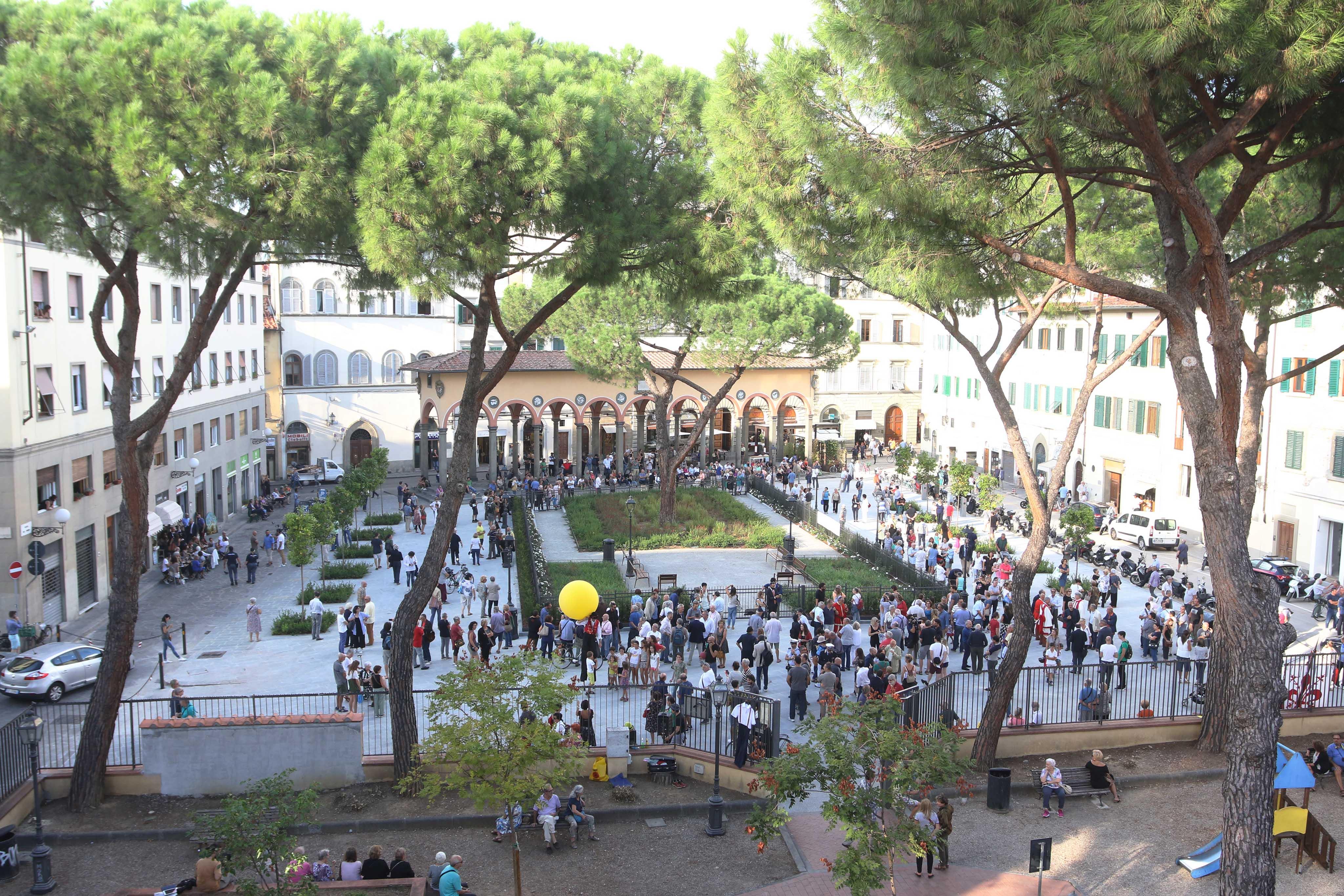 Inaugurazione nuova piazza de'Ciompi