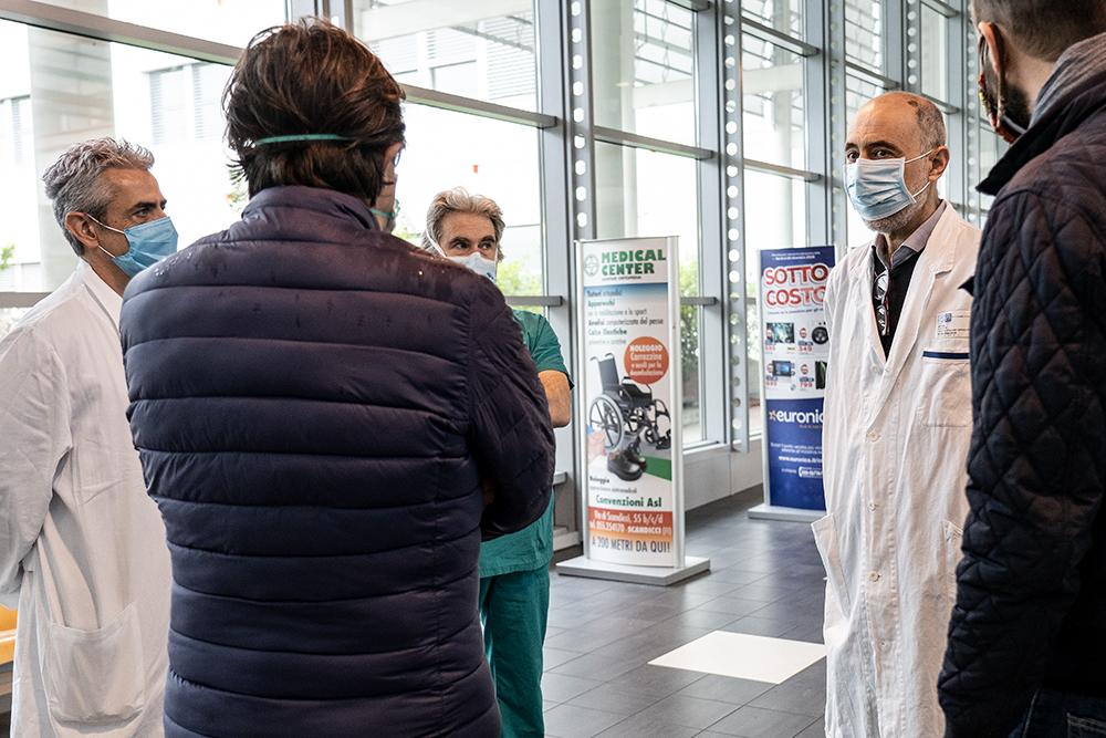 Visita ai medici e infermieri dell'ospedale Torregalli, 21 aprile 2020