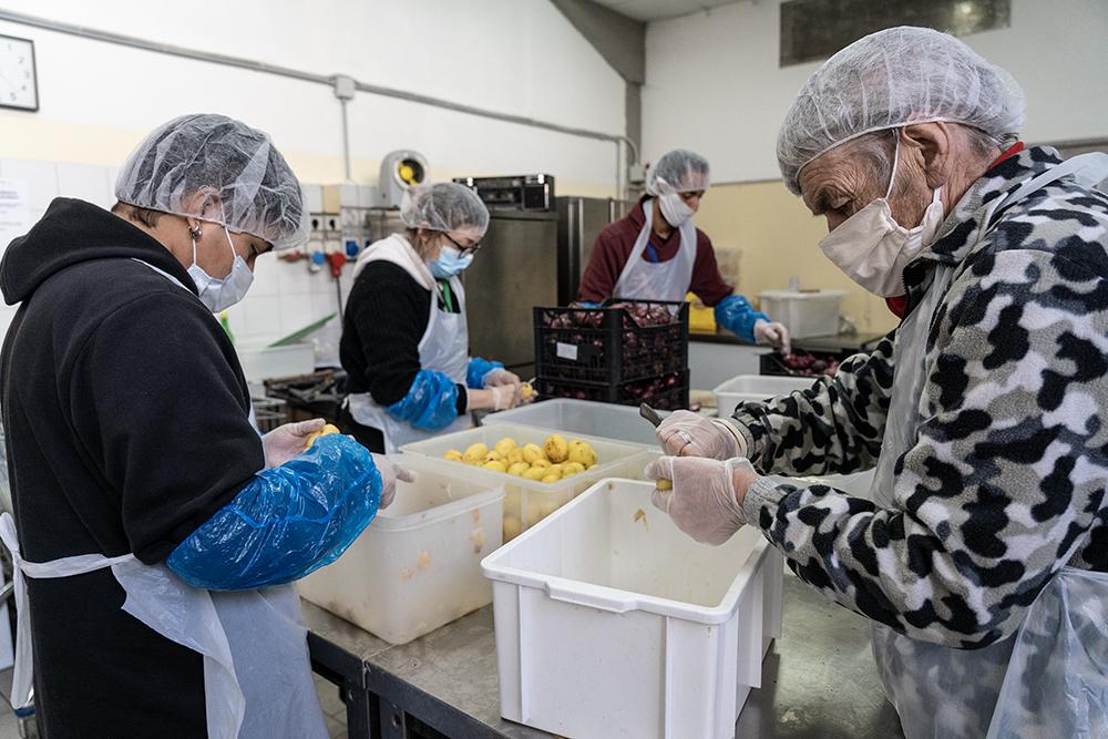 Consegna pasti Caritas Firenze, via Baracca 2 aprile 2020