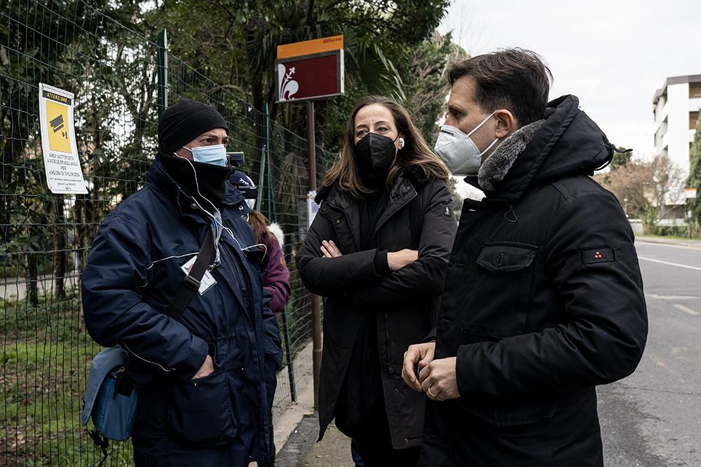 Volontari, Protezione Civile alle fermate degli autobus, 11 gennaio 2021