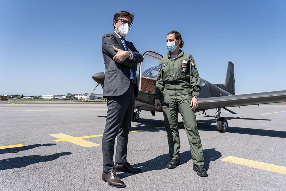 Aereoporto di Peretola con i giovani allievi dell'Aeronautica Militare, 10 maggio 2021