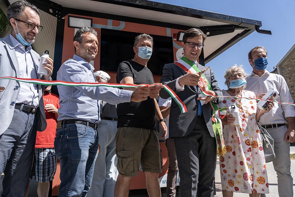 Fontanello numero 24 installato in piazza dell'Isolotto, 30 giugno 2021